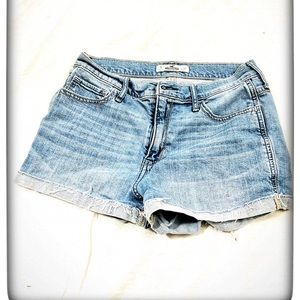 Hollister Size 5 Jean Shorts